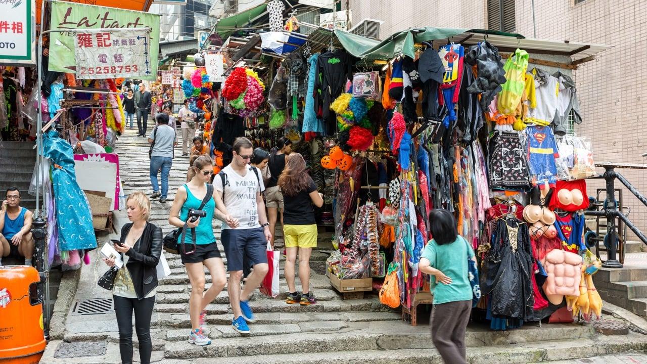 石畳が美しい香港の「ポッティンガー・ストリート」で街歩きを楽しもう!