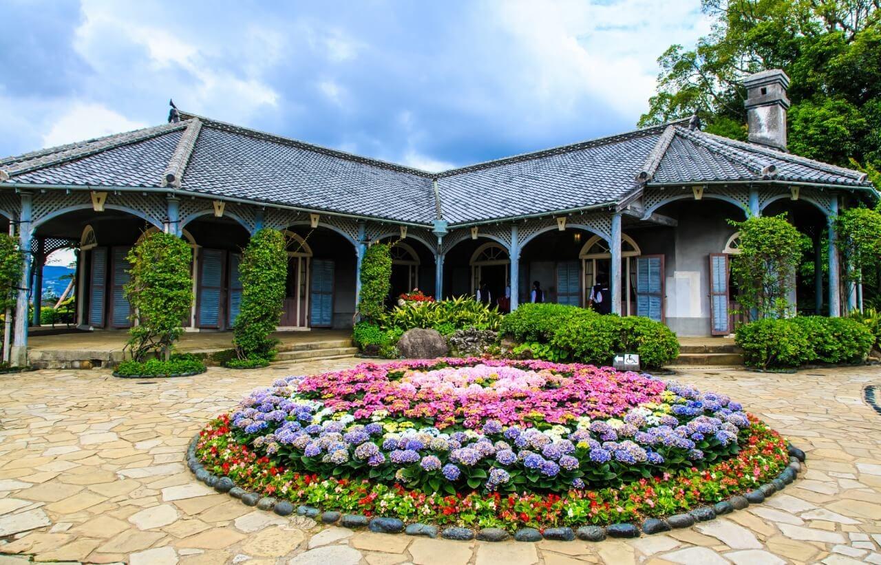 長崎観光の定番!明治の歴史と洋文化に触れるグラバー園の観光ガイド