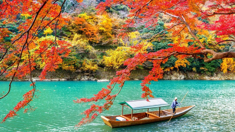 京都観光名所「嵐山」竹林の道お散歩コース&嵯峨野トロッコ列車で満喫!