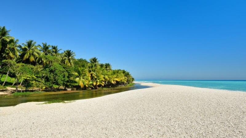 ドミニカ共和国バラオナでラリマー鉱山観光!川と海の合流ビーチで遊ぼう