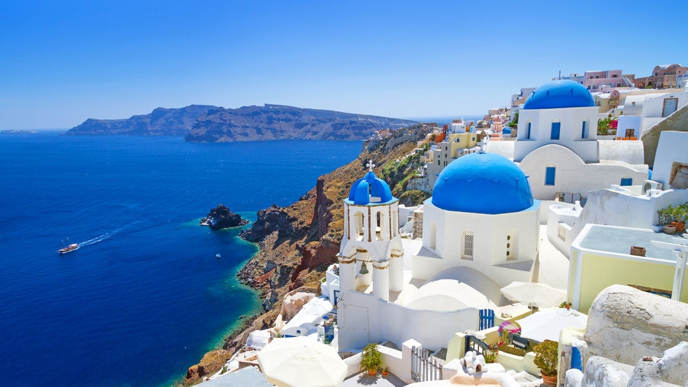 紺碧の空と海!サントリーニ島で欲しいおすすめのお土産をご紹介!