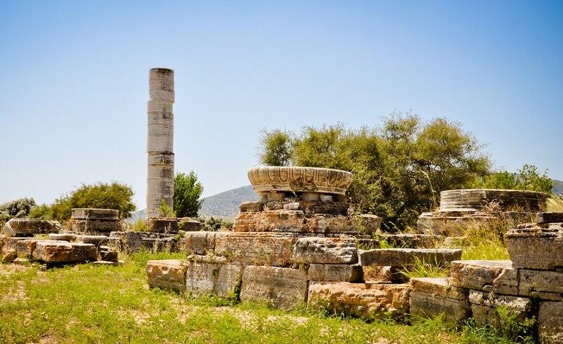 青い海と美しい島の古代芸術!世界遺産サモス島のピタゴリオとヘーラー神殿