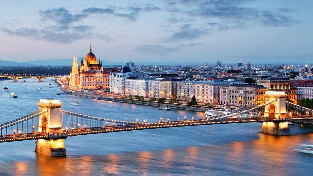 ヨーロッパ唯一のアジア系民族の国ハンガリー!世界遺産8か所をご紹介