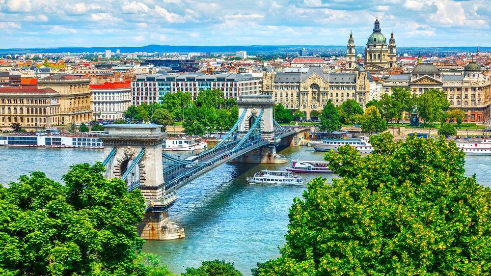 ドナウの真珠ブダペストの観光はここ!美しい街のおすすめスポット15選