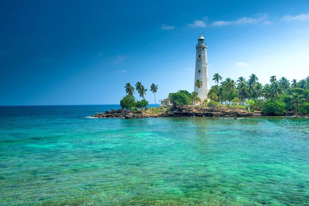 コバルトブルーの海が輝く町!スリランカ・マータラの観光スポット4選