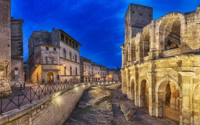 skyticket 観光ガイド美しいフランスの世界遺産!アルルのローマ遺跡とロマネスク様式建造物群
