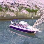 目黒川でクルーザー運航。